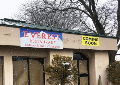 EVEREST+sign+and+bnr+install+during+flurries